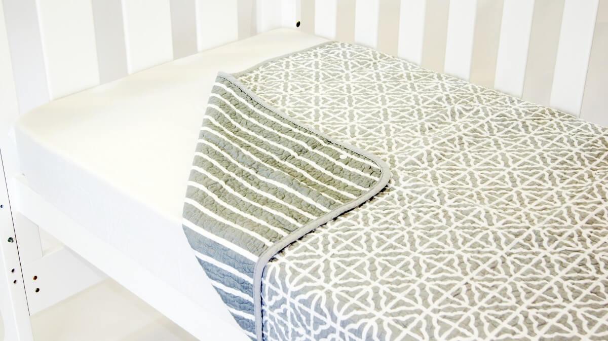 Amani Bebe Summer Stripe Quilt Grey Side A