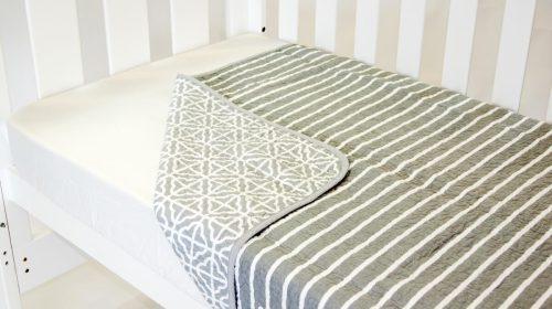 Amani Bebe Summer Stripe Quilt Grey Side B