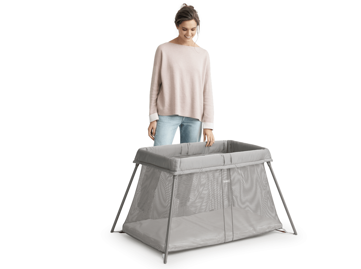 Babybjorn Travel Cot Easy Go Set Up 3