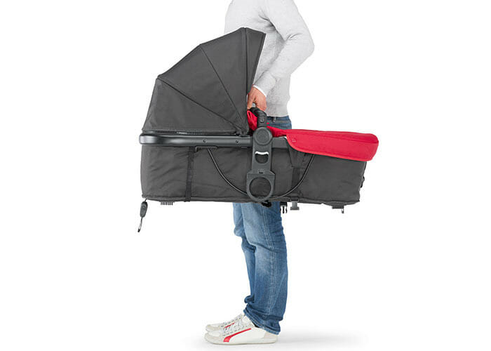 Chicco Urban Plus Red Easy to Carry Basinet