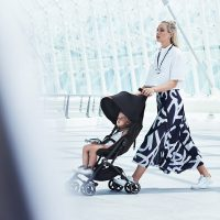 Gb Pockit+ Stroller – Satin Black Lifestyle