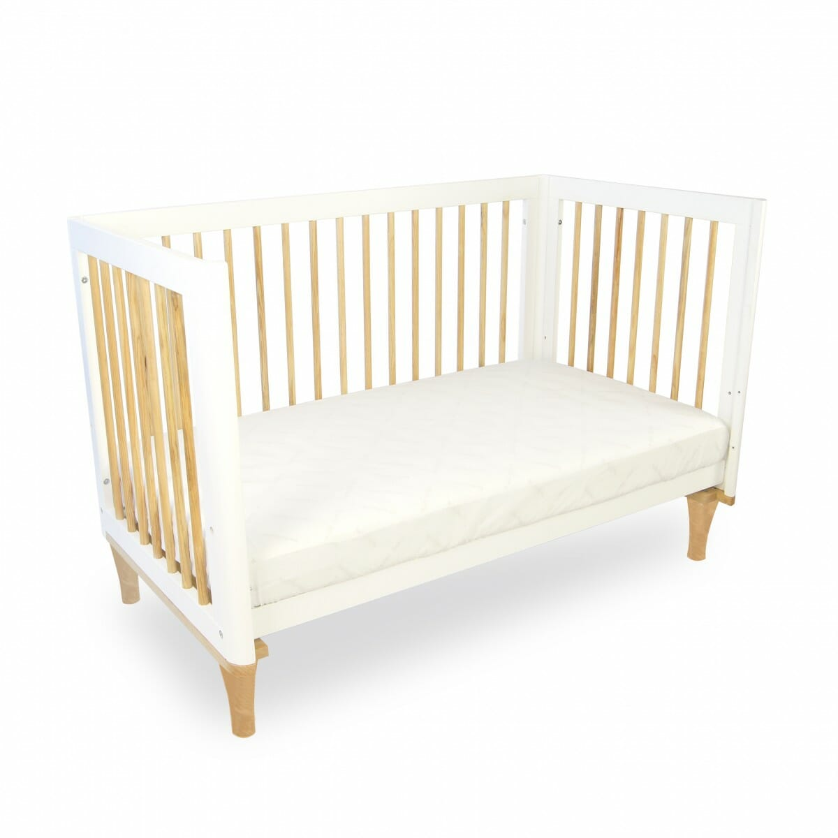 https://www.bubsngrubs.com.au/wp-content/uploads/2016/10/babyhood-Riya-cot-toddler-bed.jpg
