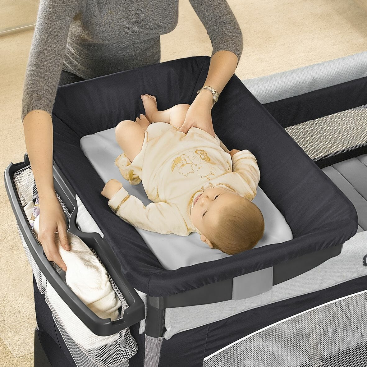 Chicco Lullaby Easy Luxury Portable Baby Centre changer