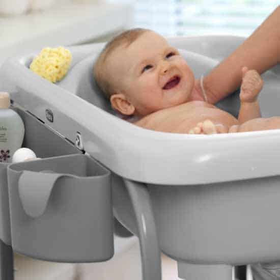 Chicco Cuddle & Bubble Baby Bath & Changer Lifestyle 3