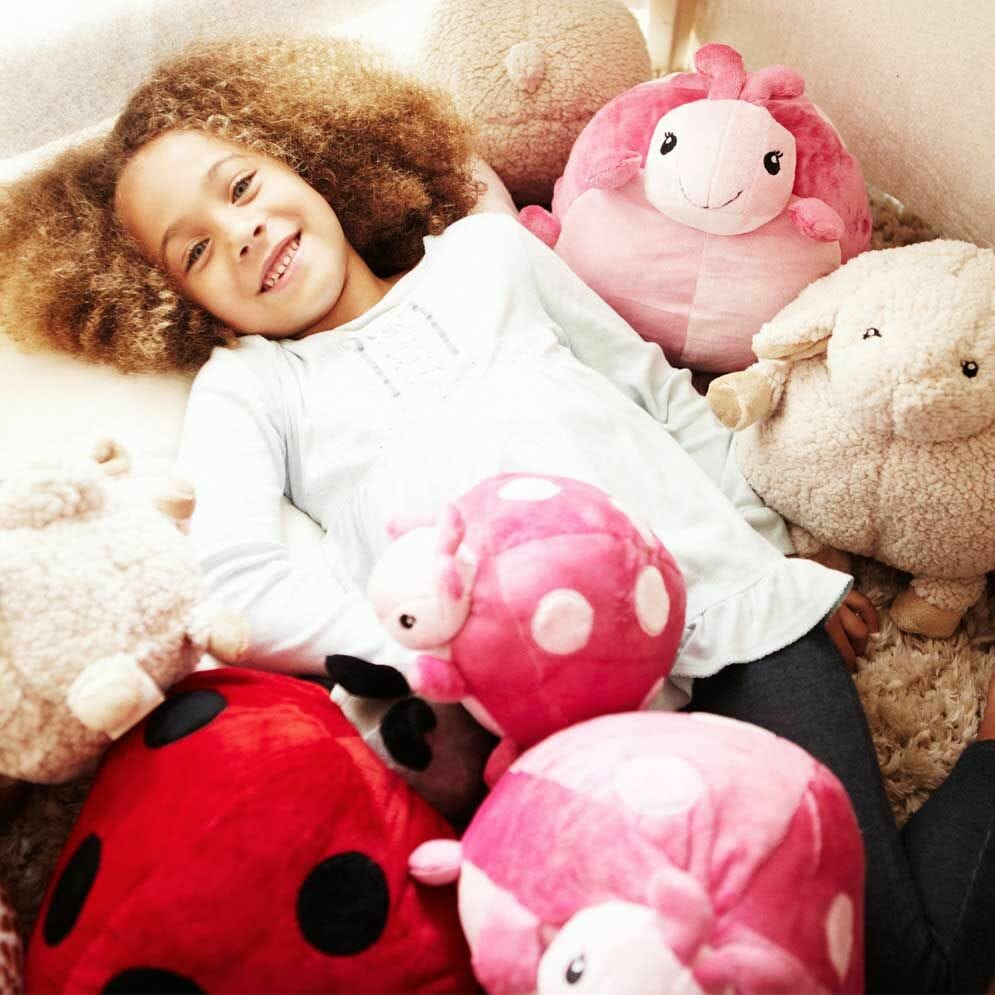 Cloud B Pouf Ladybug Pink Lifestyle 2