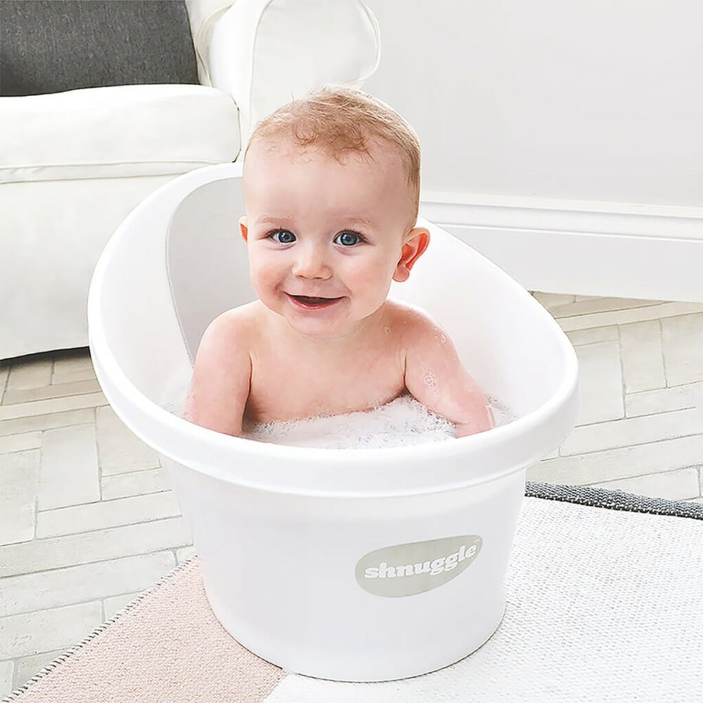 Shnuggle Bath With Plug White Lifestyle 2