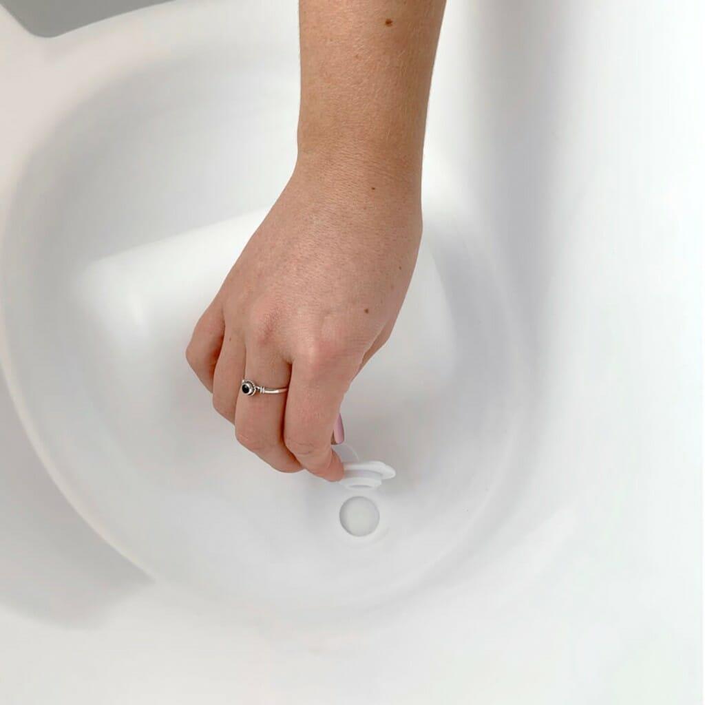 Shnuggle Bath With Plug White Plug